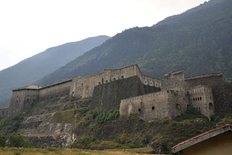 Развалины французской крепости Пиньероль (ныне территория Италии)