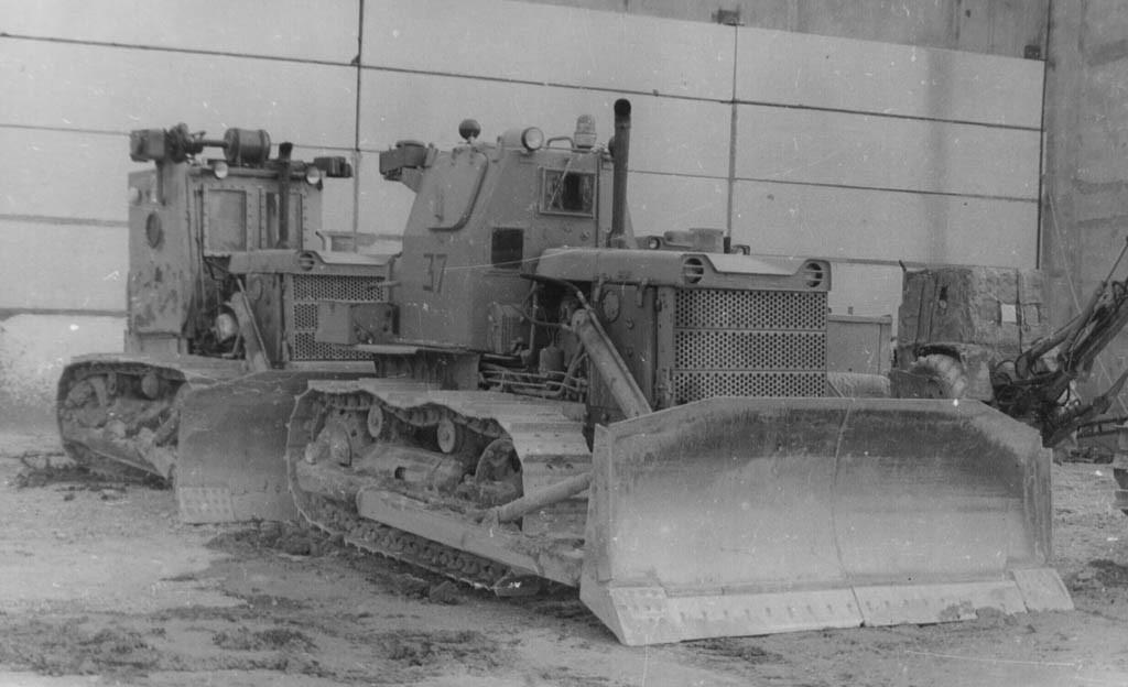 Радиоуправляемый бульдозер на базе трактора Т-130