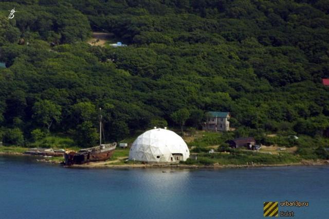 Бухта Витязь. Еще недавно здесь был океанариум Тихоокеанского флота России (168 НИЦ ТОФ)