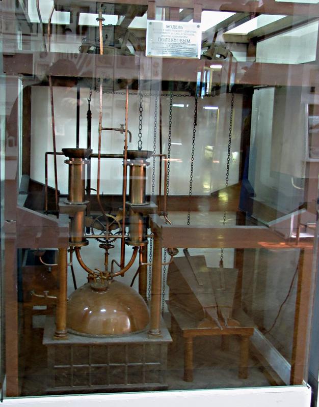 Модель паровой машины Ползунова, сделанная в 1825 г. по первому проекту изобретателя