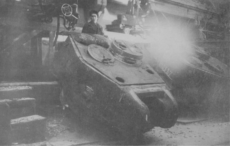 Автоматическая приварка крыши к литой броневой башне танка Т-34
