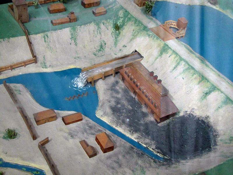 Плотина на Змеиногорском руднике (современная реставрация)