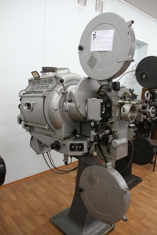 Кинопроектор КПТ-7