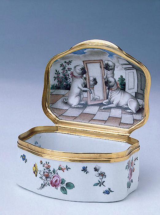 Фарфоровая табакерка работы Д.И. Виноградова, 1752 г. Государственный Эрмитаж