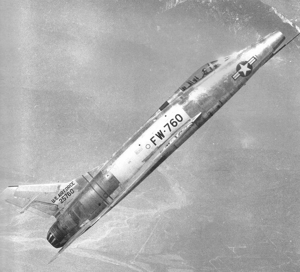 Истребитель ВВС США F-100A «Super Sabre»
