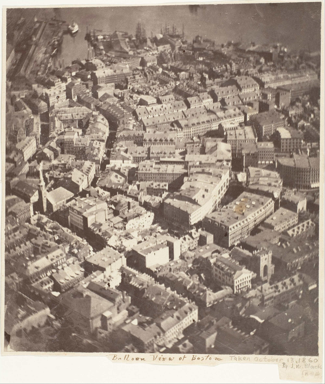 Самый ранний из сохранившихся аэрофотоснимков. Фотография Бостона (США) с высоты около 700 м, сделанная Джеймсом Уоллесом Блэком 13.10.1860 г. с воздушного шара