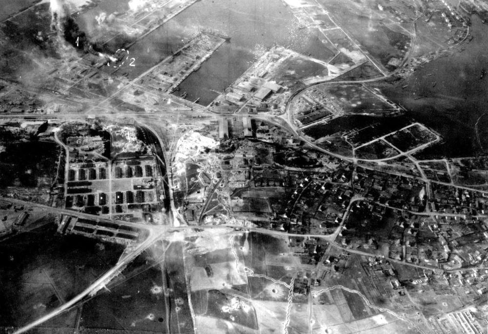 г. Пиллау, восточная Пруссия (ныне - г. Балтийск, Калининградская область России). Весна 1945 г