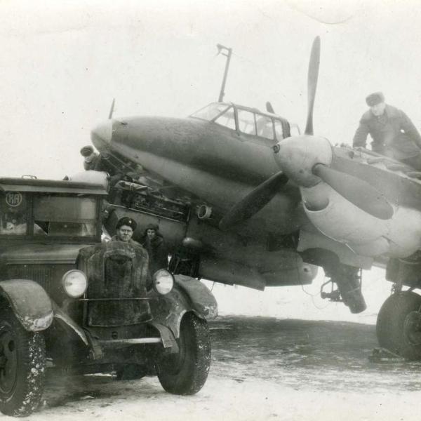 Разведывательный самолёт Пе-2Р