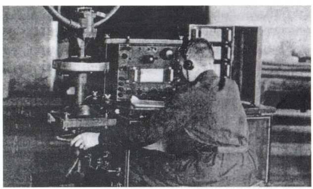 Курсант на занятиях изучает пеленгатор 51-ПА-1А. 25-й запасной радиополк